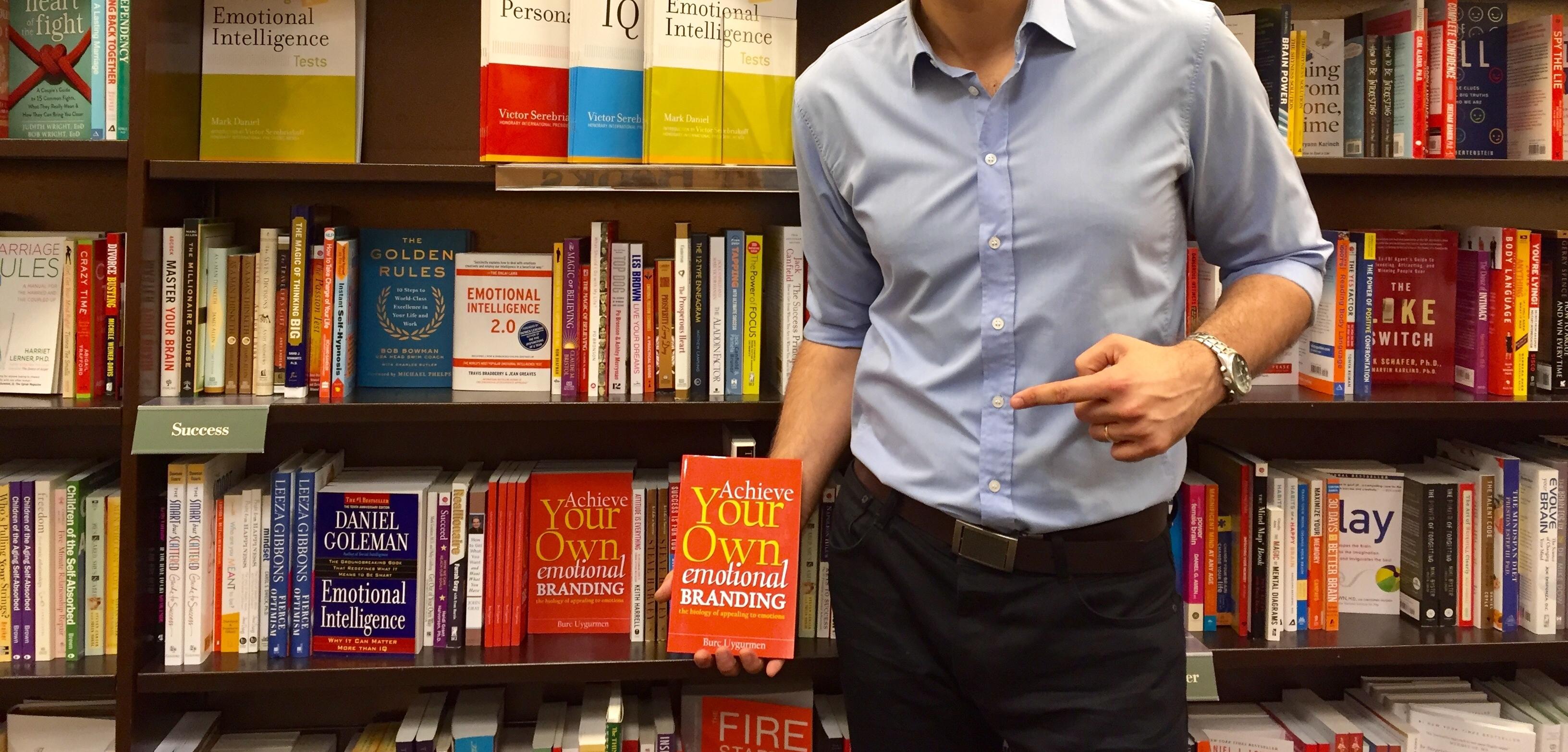 Barnes & Noble'da Kendi Kitabını Görmek Paha Biçilemez